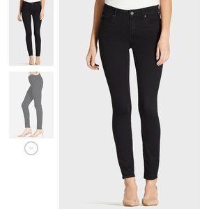 Mid Rise Black Skinny Jeans Sz28
